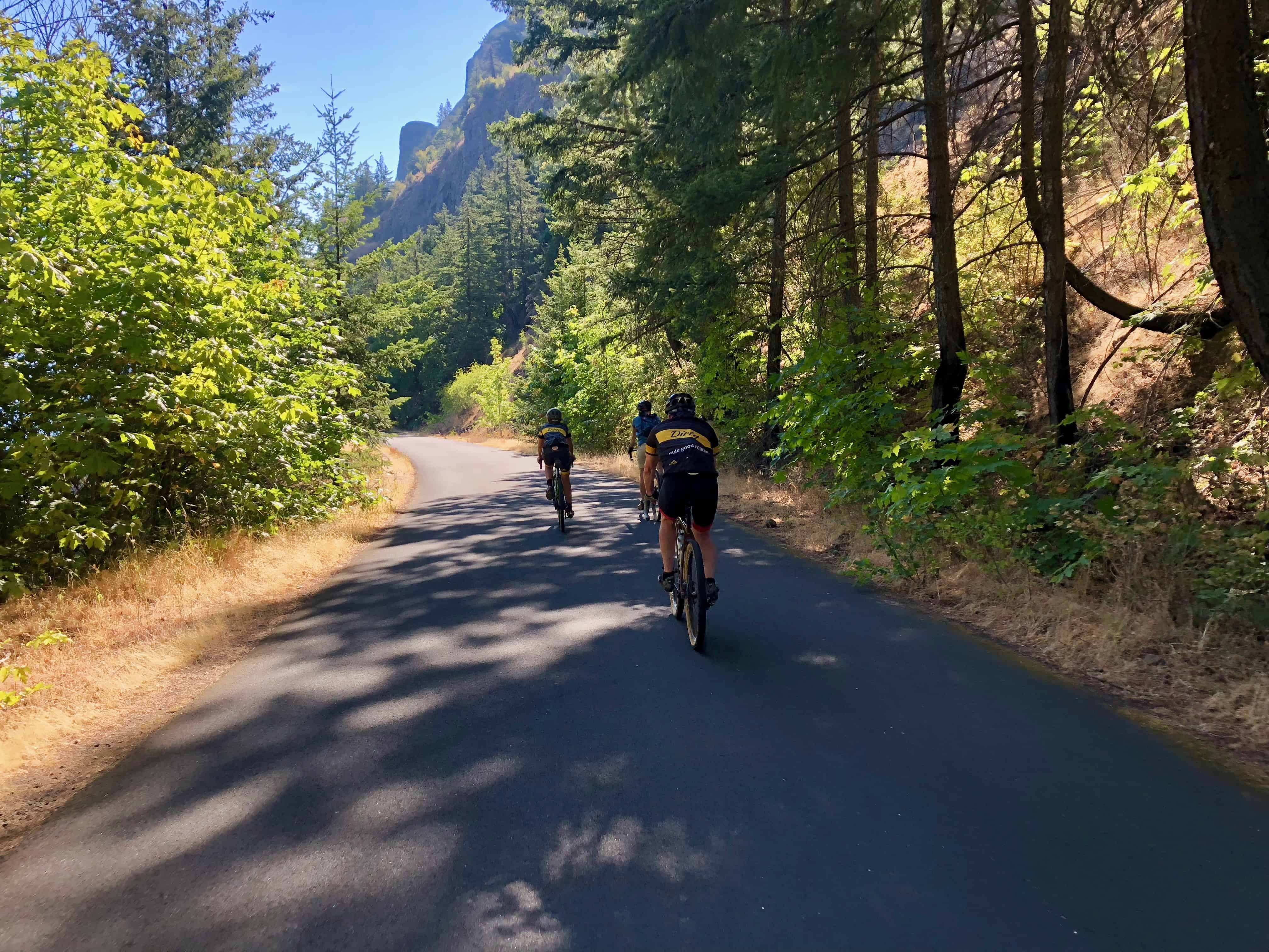 Cyclists on on Historic Columbia River Hwy