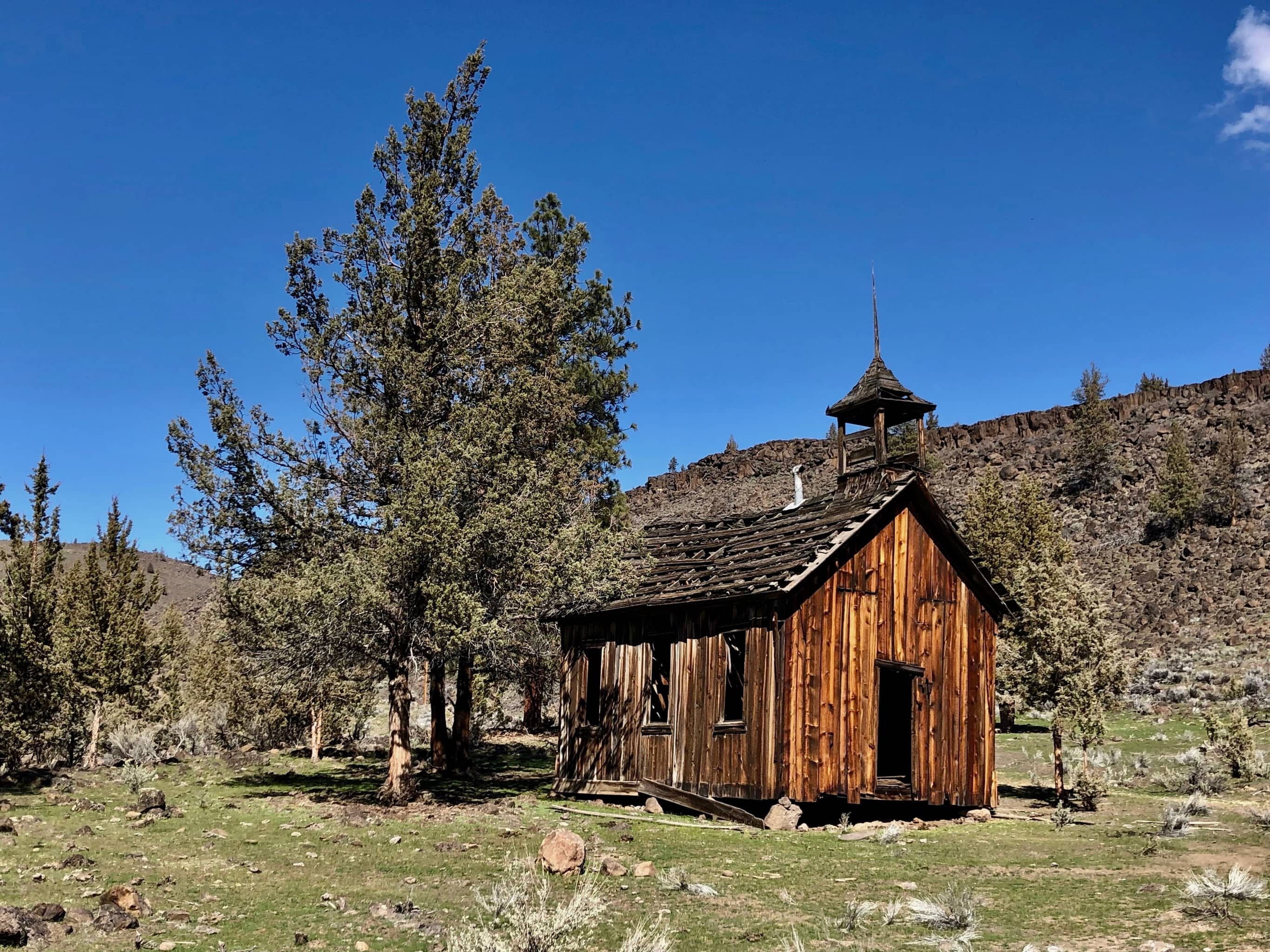 Old school house on Warm Springs Indian reservation.