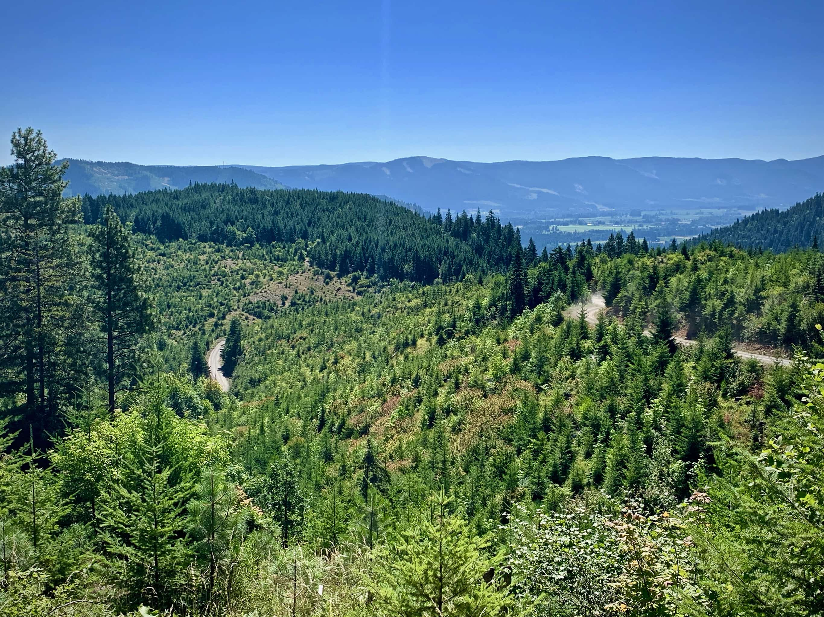 Expansive view of Hood River valley in Oregon.