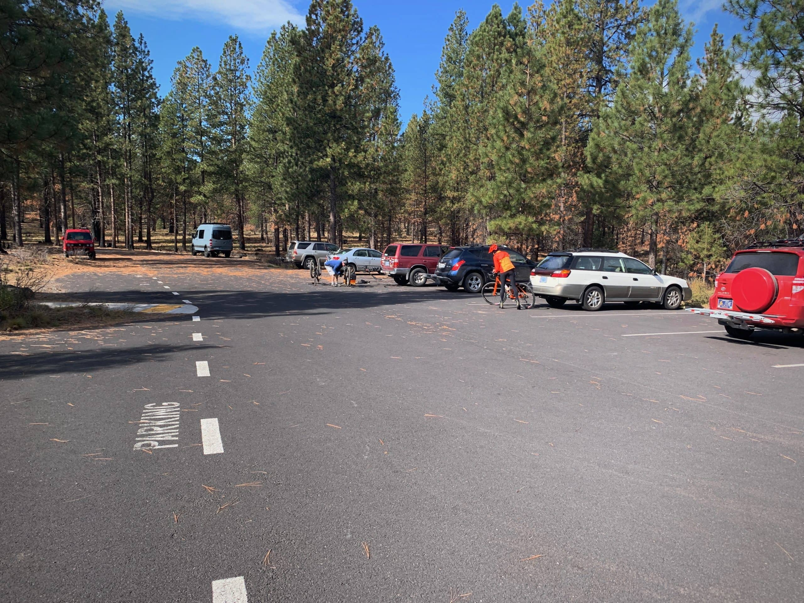 The parking lot at the Cascade Lakes Visitor center in Deschutes National Forest near Bend, Oregon.