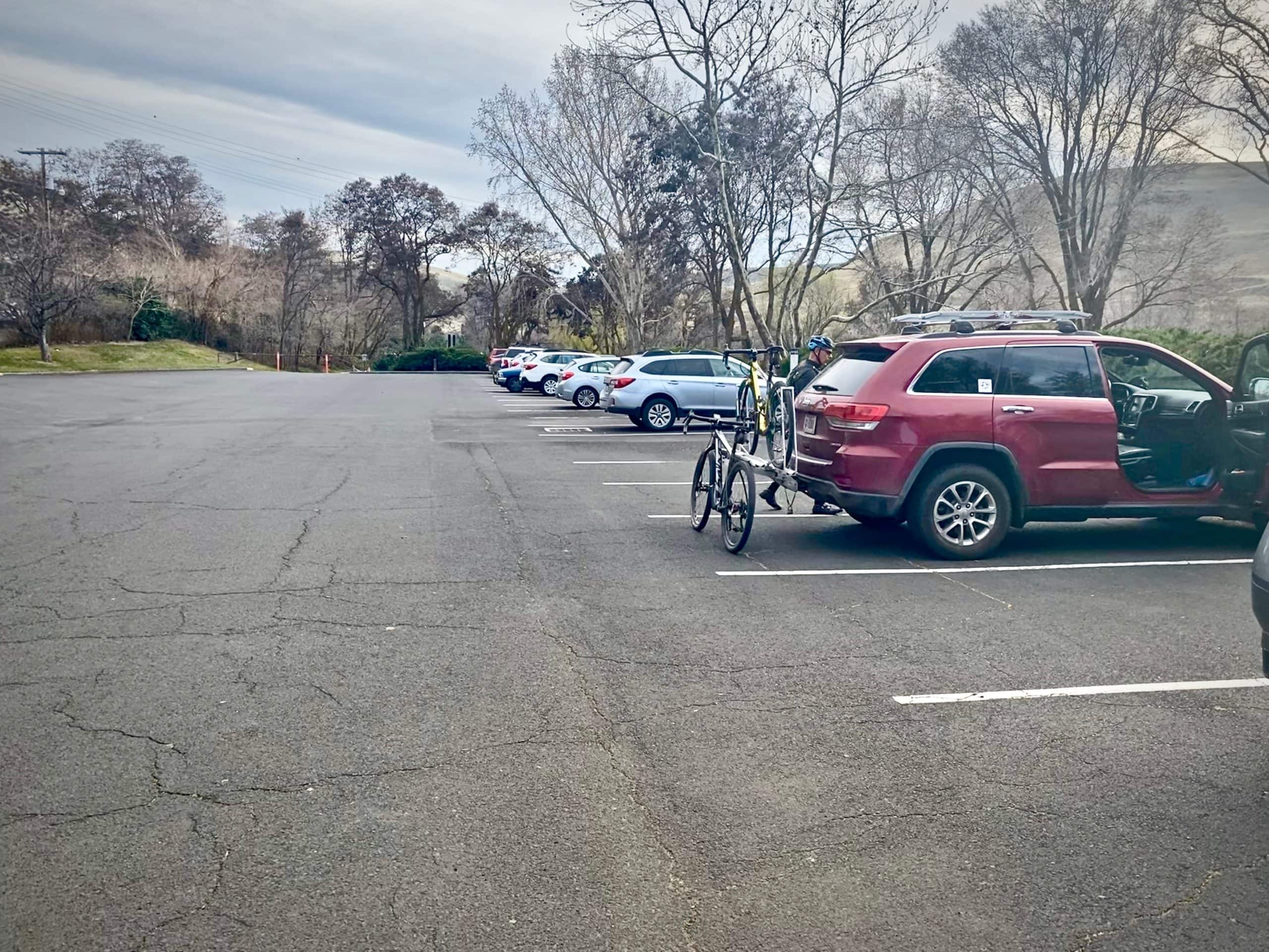 The parking area at the Deschutes River State Recreation area.