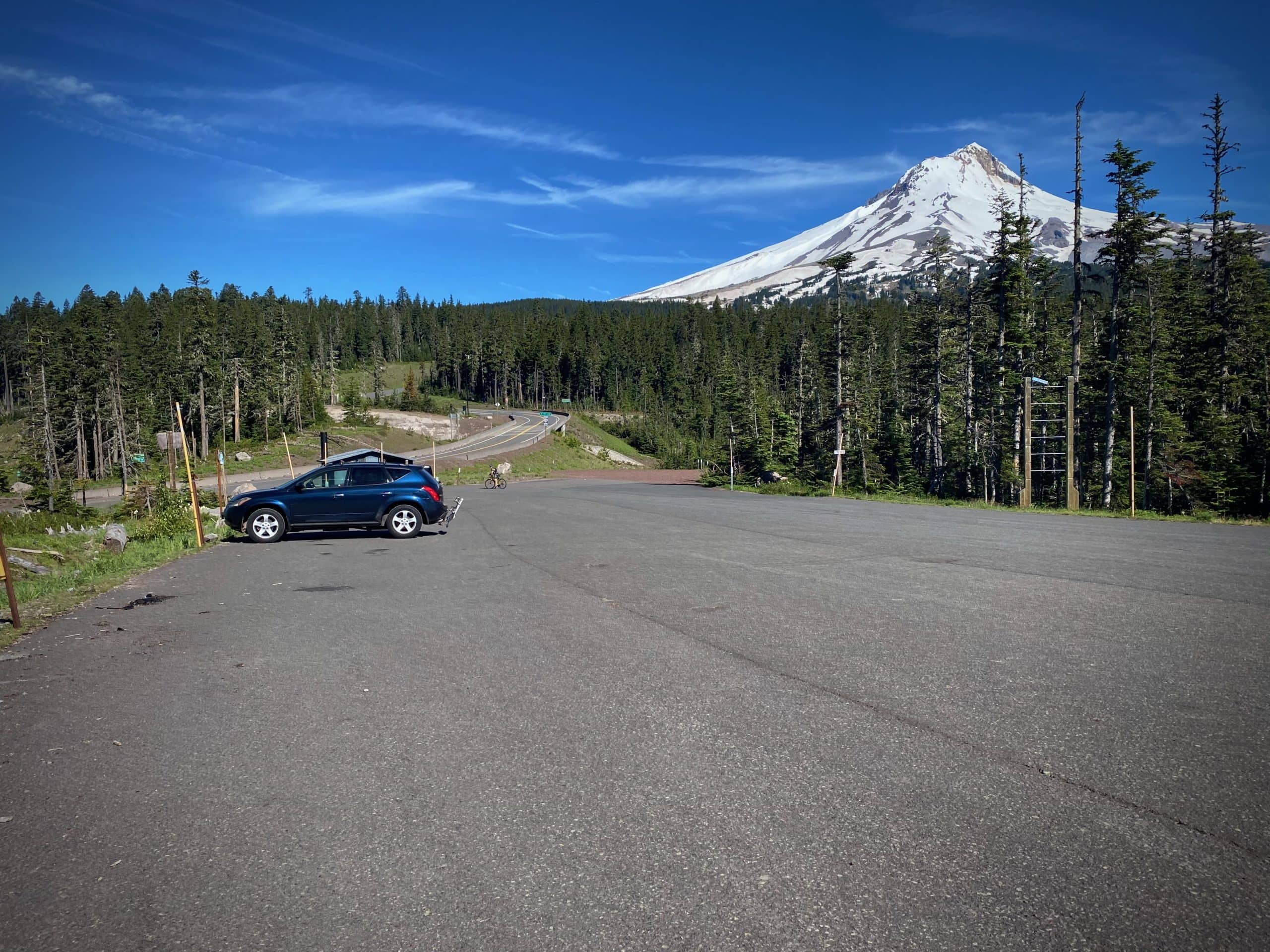 The parking area for the Bennett Pass route on Dirty Freehub at Bennett Pass sno-park.