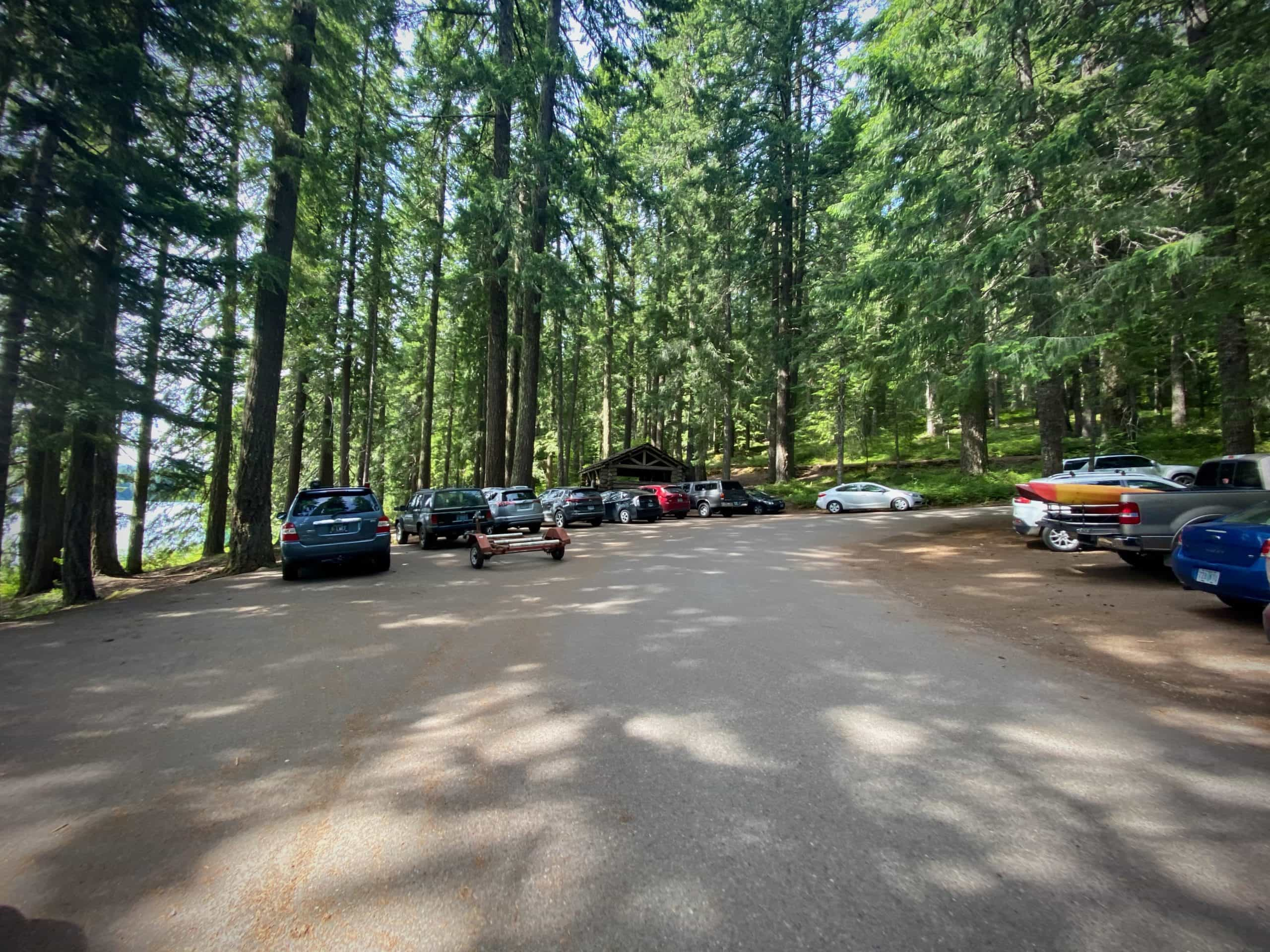 The parking area at the start, Clear Lake.