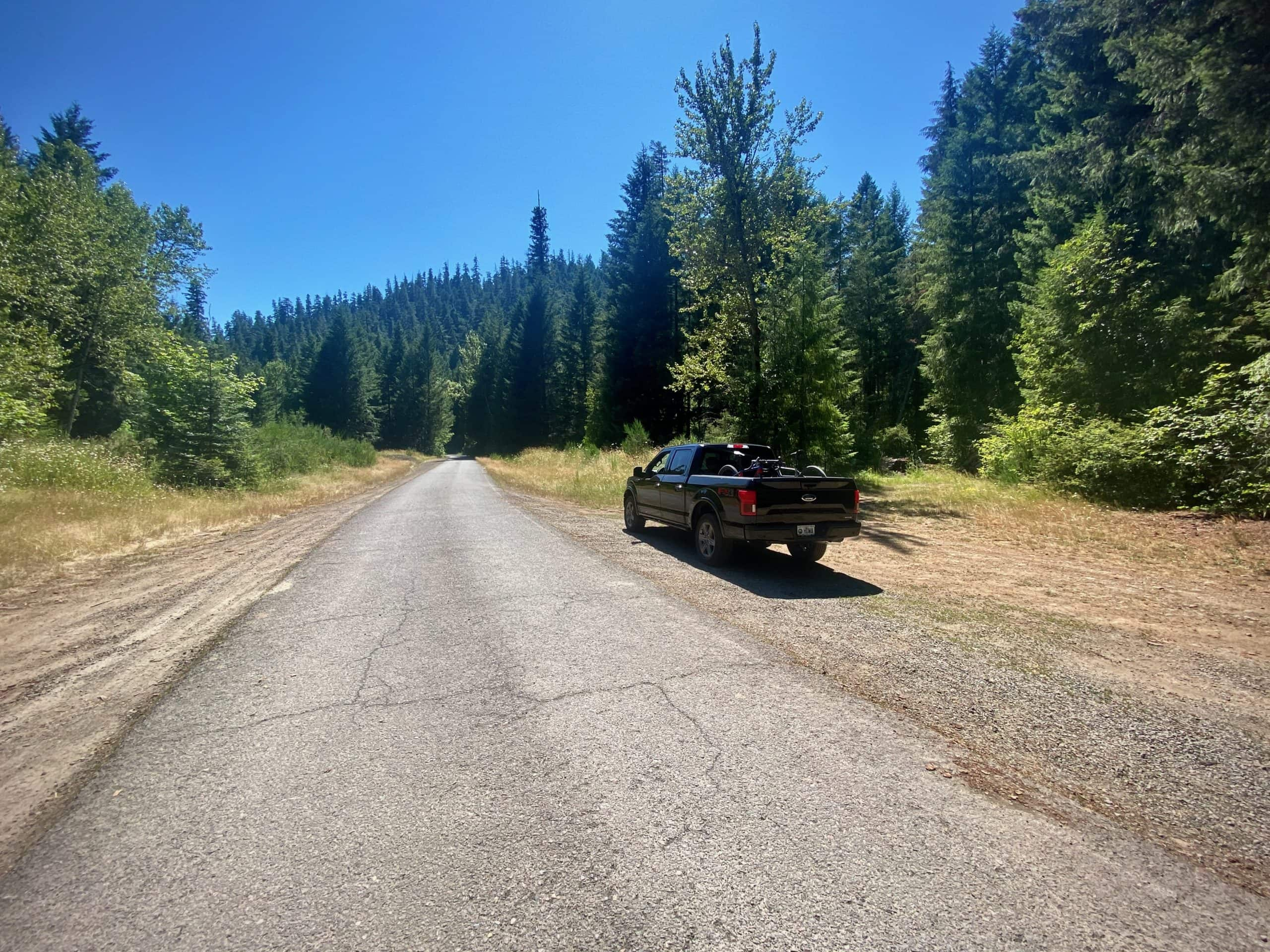 Parking area near the intersection of NF 21 and NF 2127 along the Middle Fork of the Willamette River near Oakridge, Oregon.