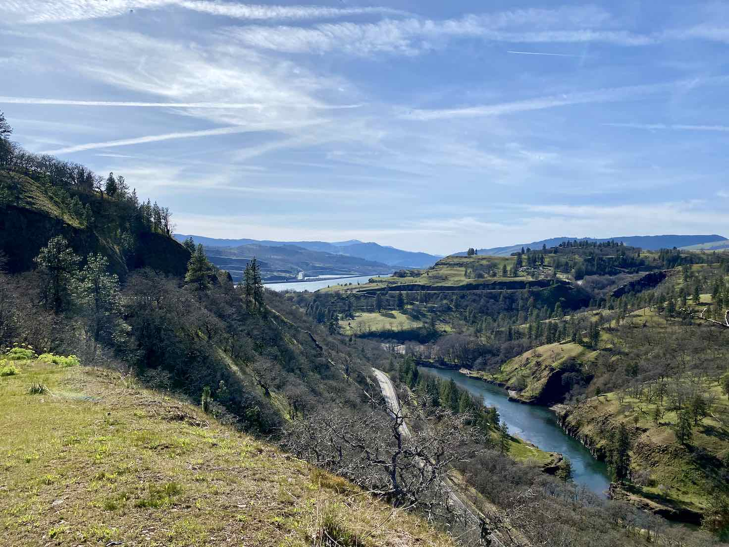 A view of the confluence of the Klickitat and Columbia Rivers.